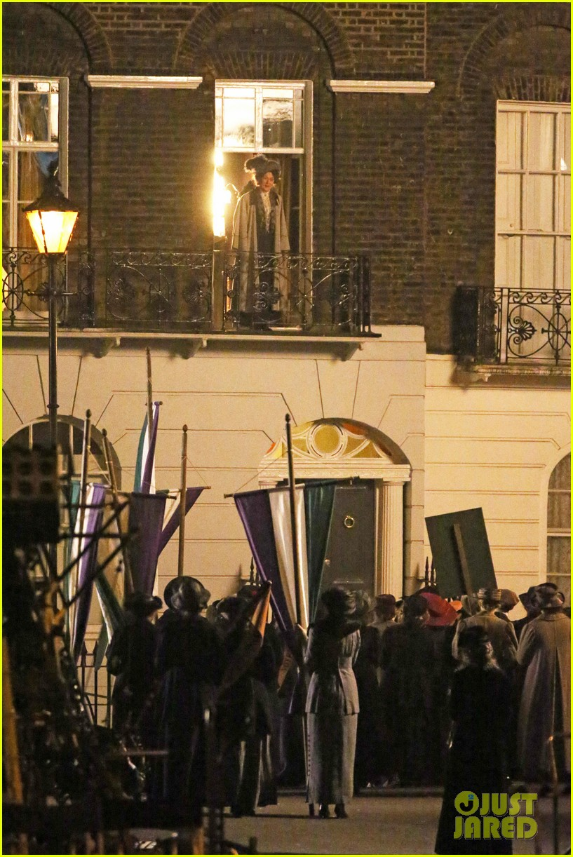 meryl streep first look on set at suffragette 11