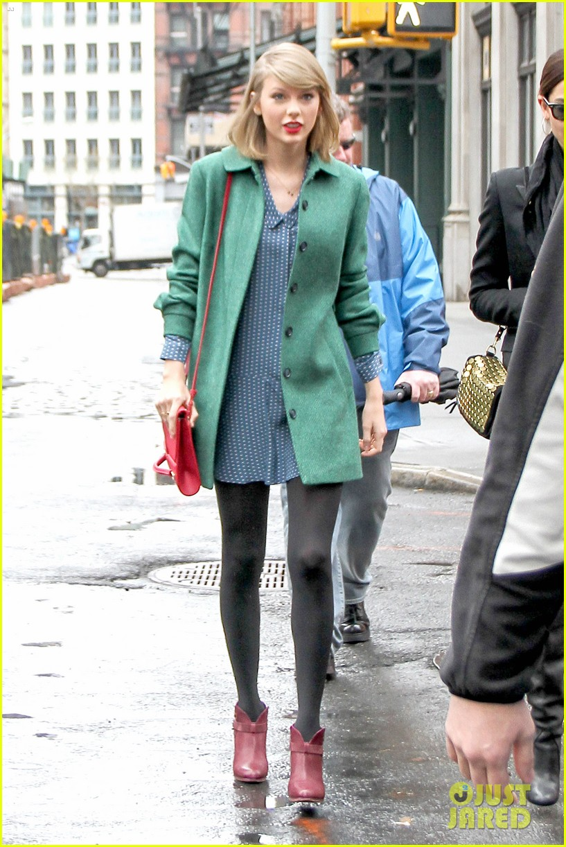 taylor swift grabs lunch with model lily aldridge 01