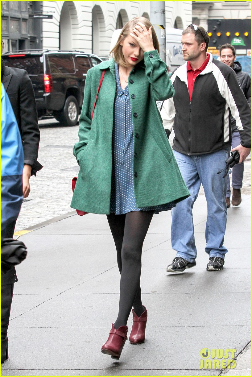 taylor swift grabs lunch with model lily aldridge 18