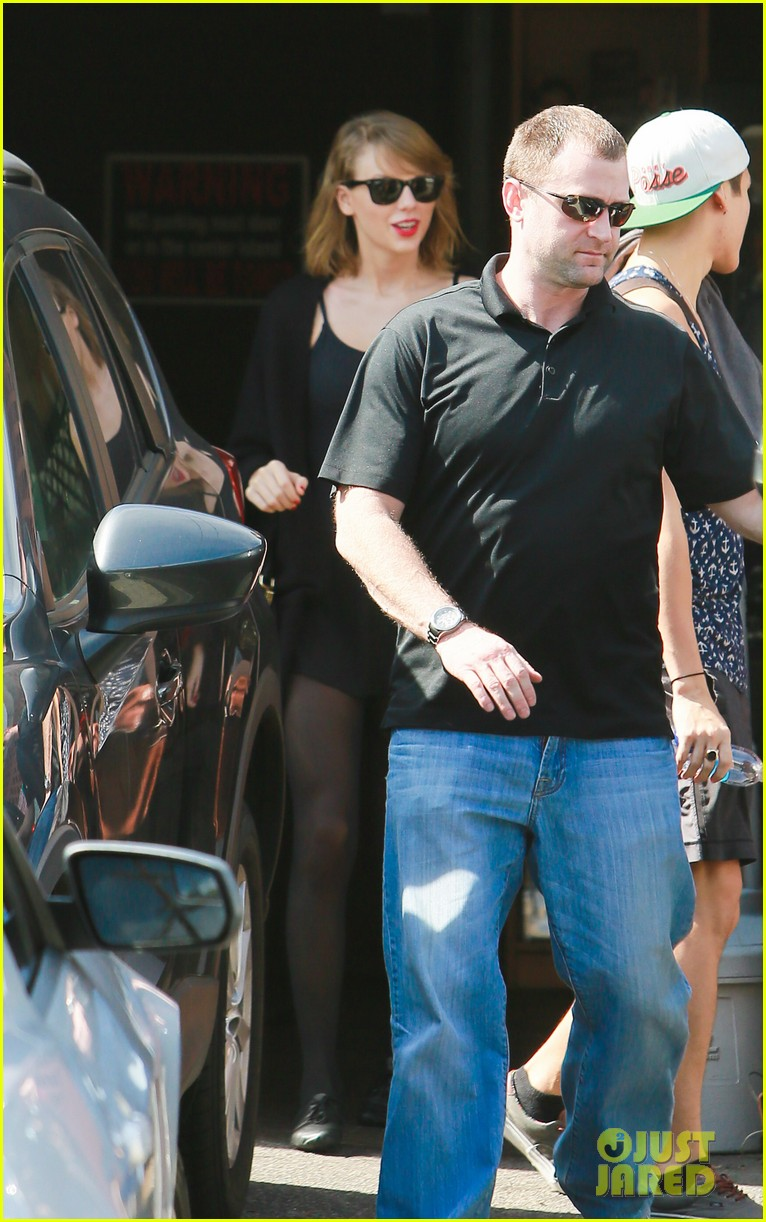 taylor swift karlie kloss go on a roadtrip see all the pics 083066598
