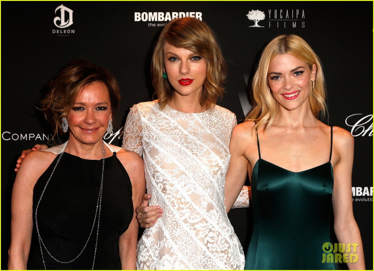taylor swift jaime king pre oscar party pals 17
