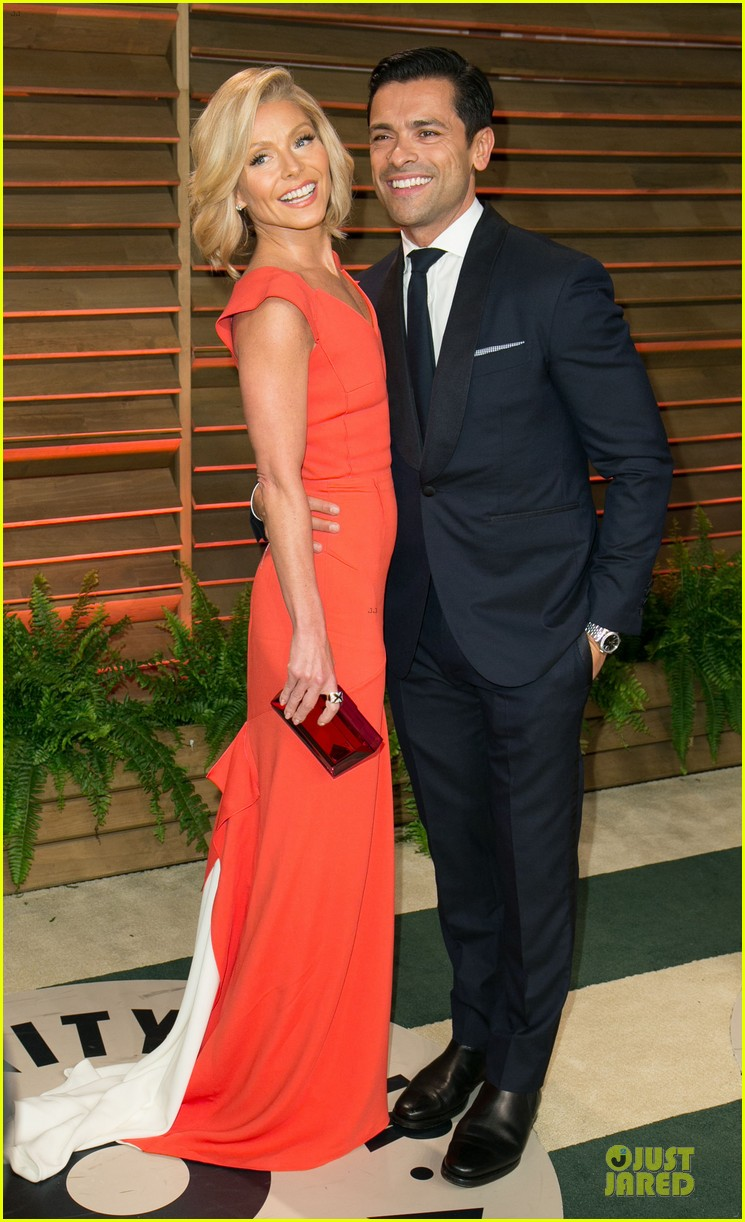 chrissy teigen john legend vanity fair oscars party 2014 143065057