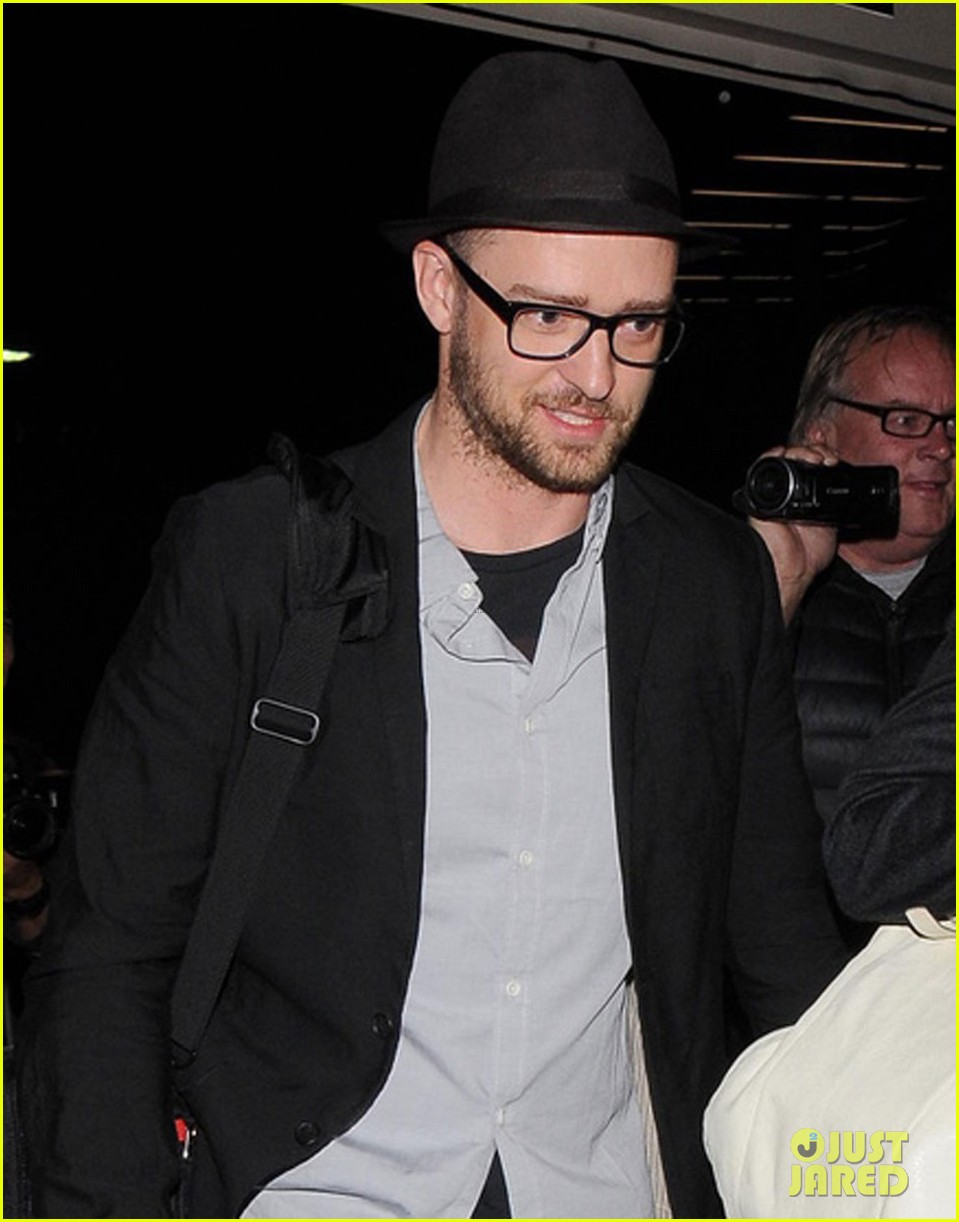 justin timberlake jessica biel home from barbados 023079387