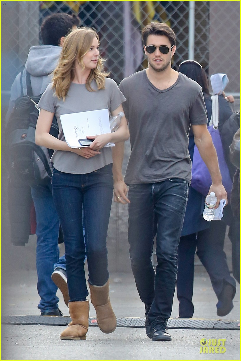 emily vancamp josh bowman wrapped up 05