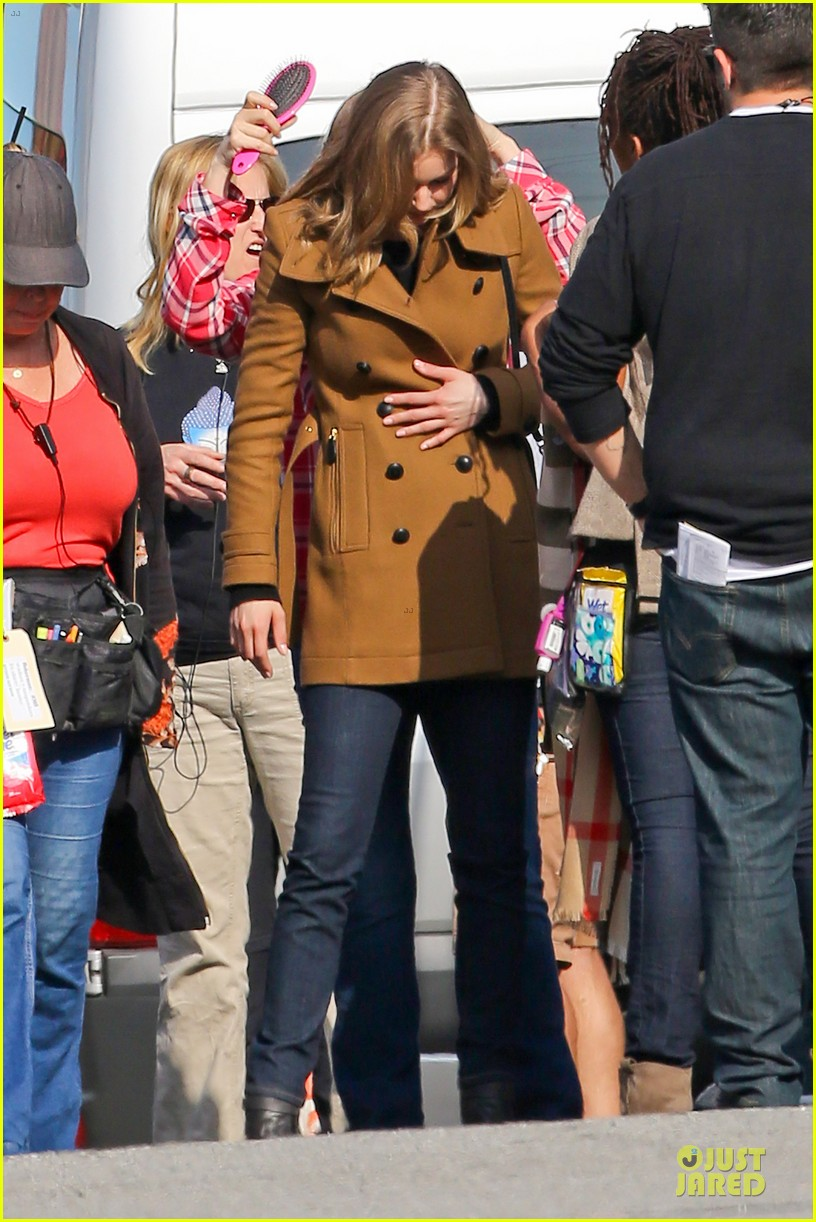 emily vancamp josh bowman wrapped up 28