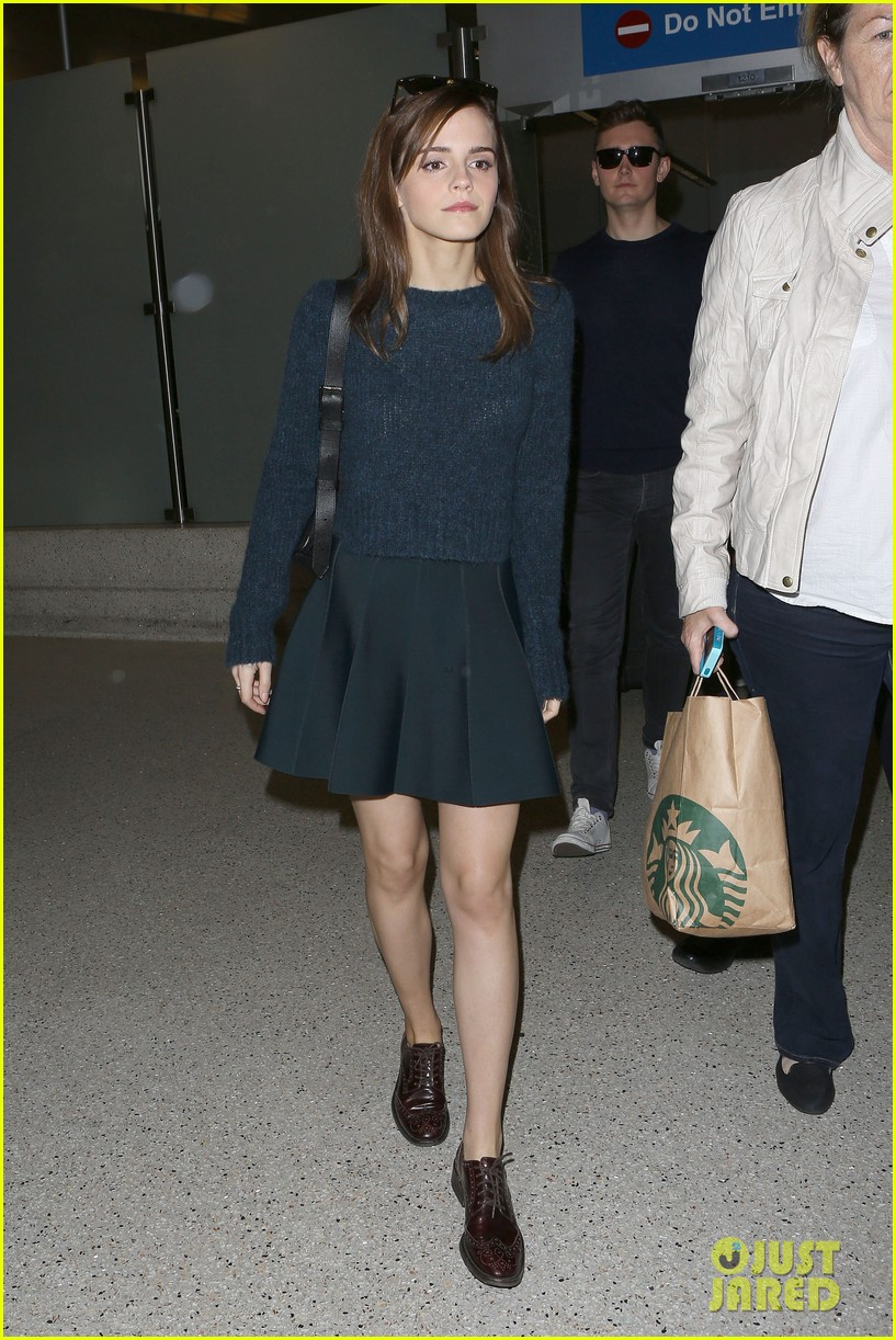 emma watson arrives in los angeles for noah premiere 05