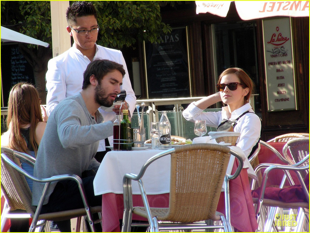 emma watson enjoys lunch with matthew janney 033074181