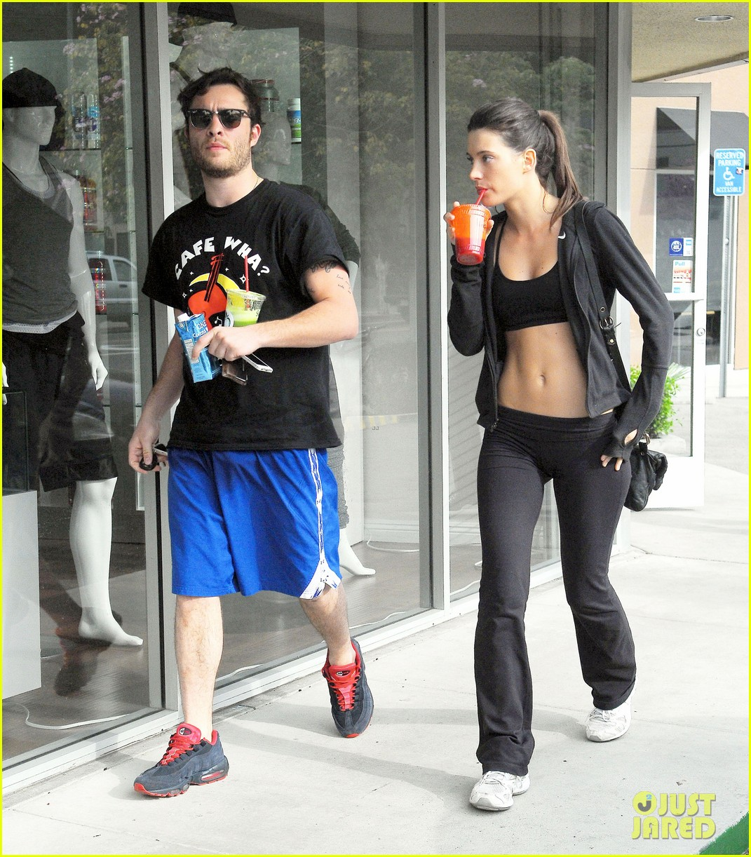 ed westwick hits the gym with mystery gal with hot body 03