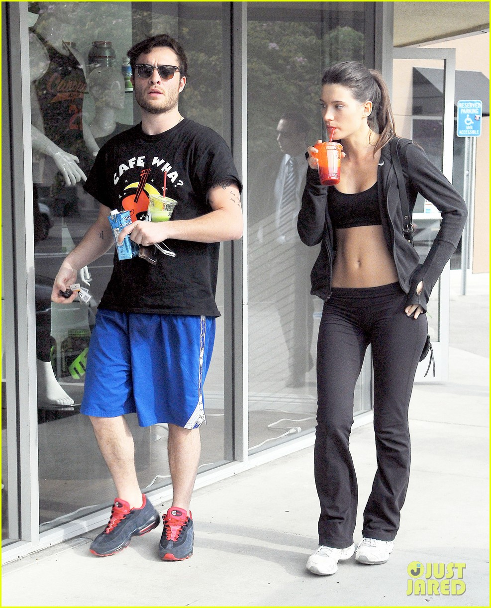 ed westwick hits the gym with mystery gal with hot body 15