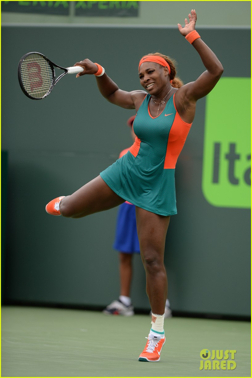 serena williams jacked physique helps her advance at sony open 02