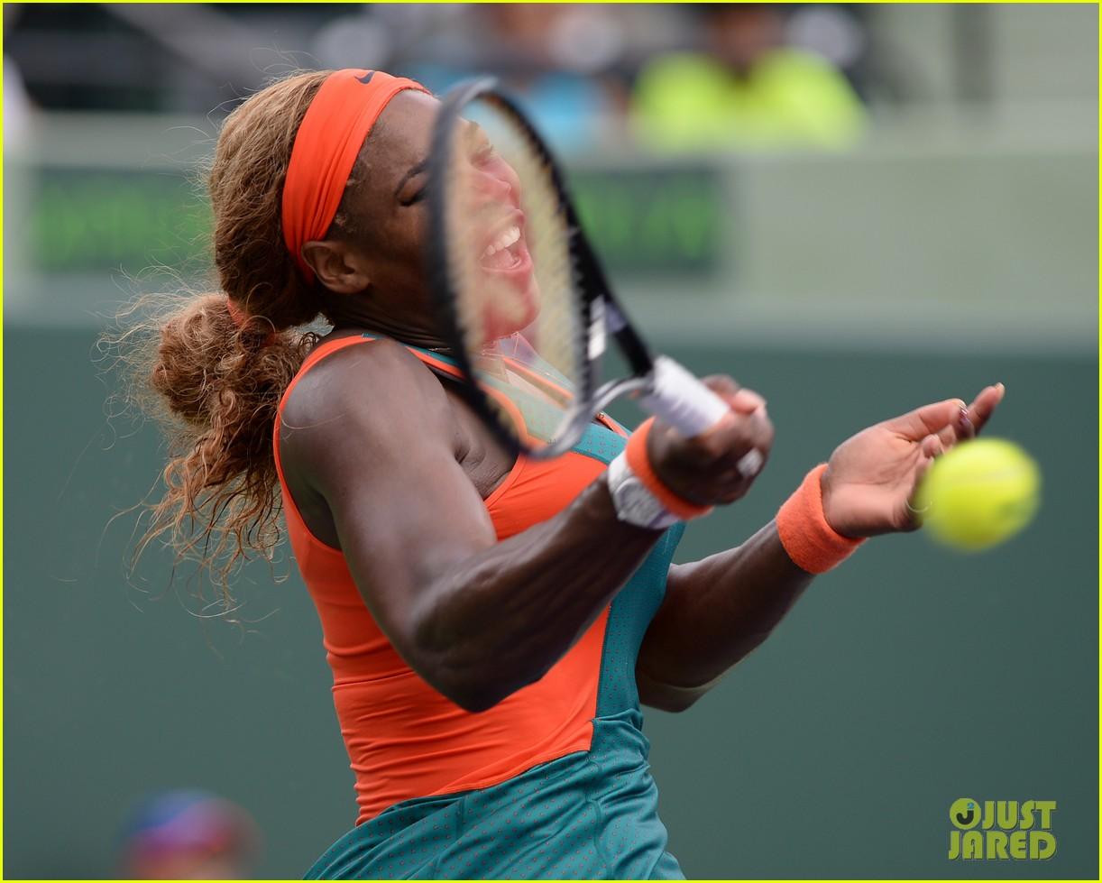 serena williams jacked physique helps her advance at sony open 073077093