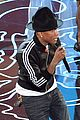 pharrell williams performs happy at oscars 2014 video 05