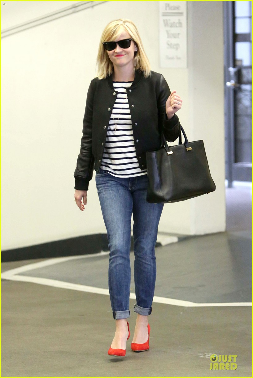 reese witherspoon bowling for 38th birthday 033078102