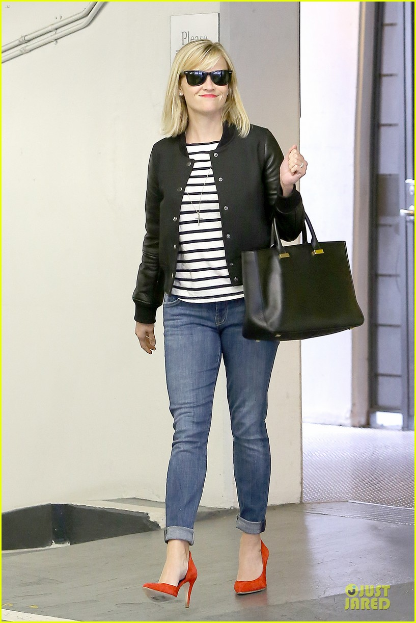 reese witherspoon bowling for 38th birthday 15