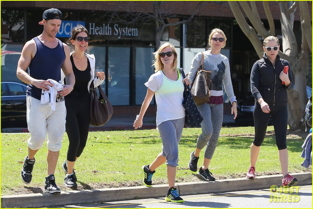 reese witherspoon naomi watts yoga partners 293079159