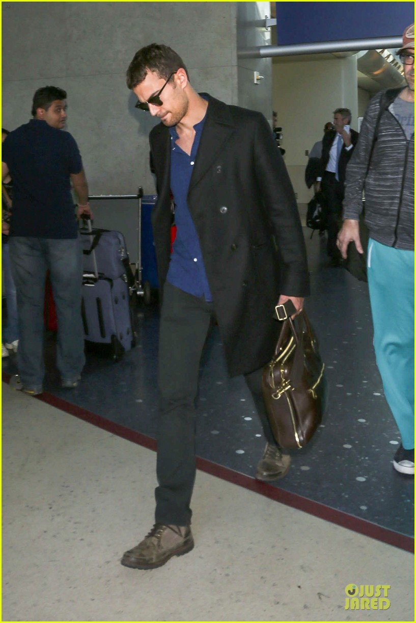 shailene woodley theo james lax airport with sunglasses 05