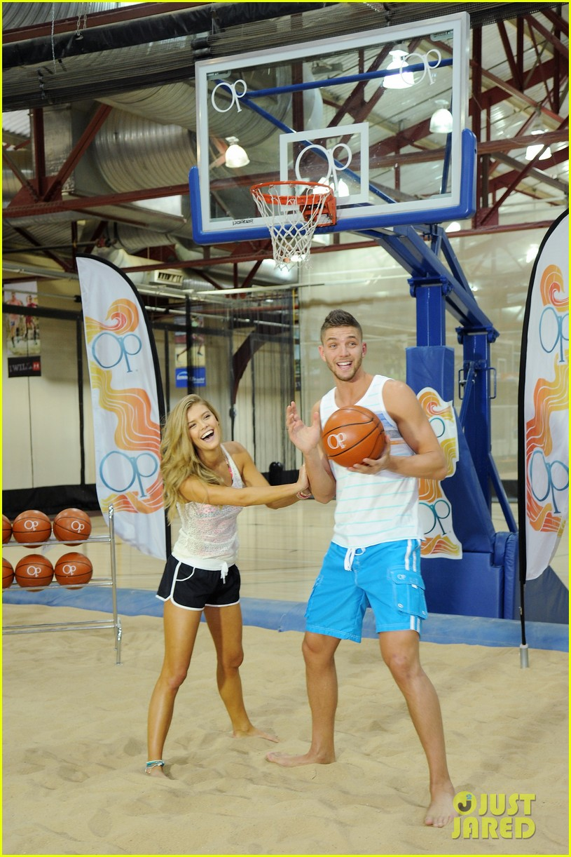 nina agdal shirtless hottie chandler parsons play basketball for ops spring kickoff 14