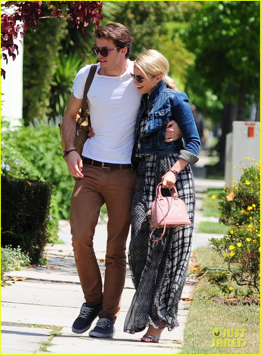 dianna agron gets cozy with thomas cocquerel at lunch 053097172