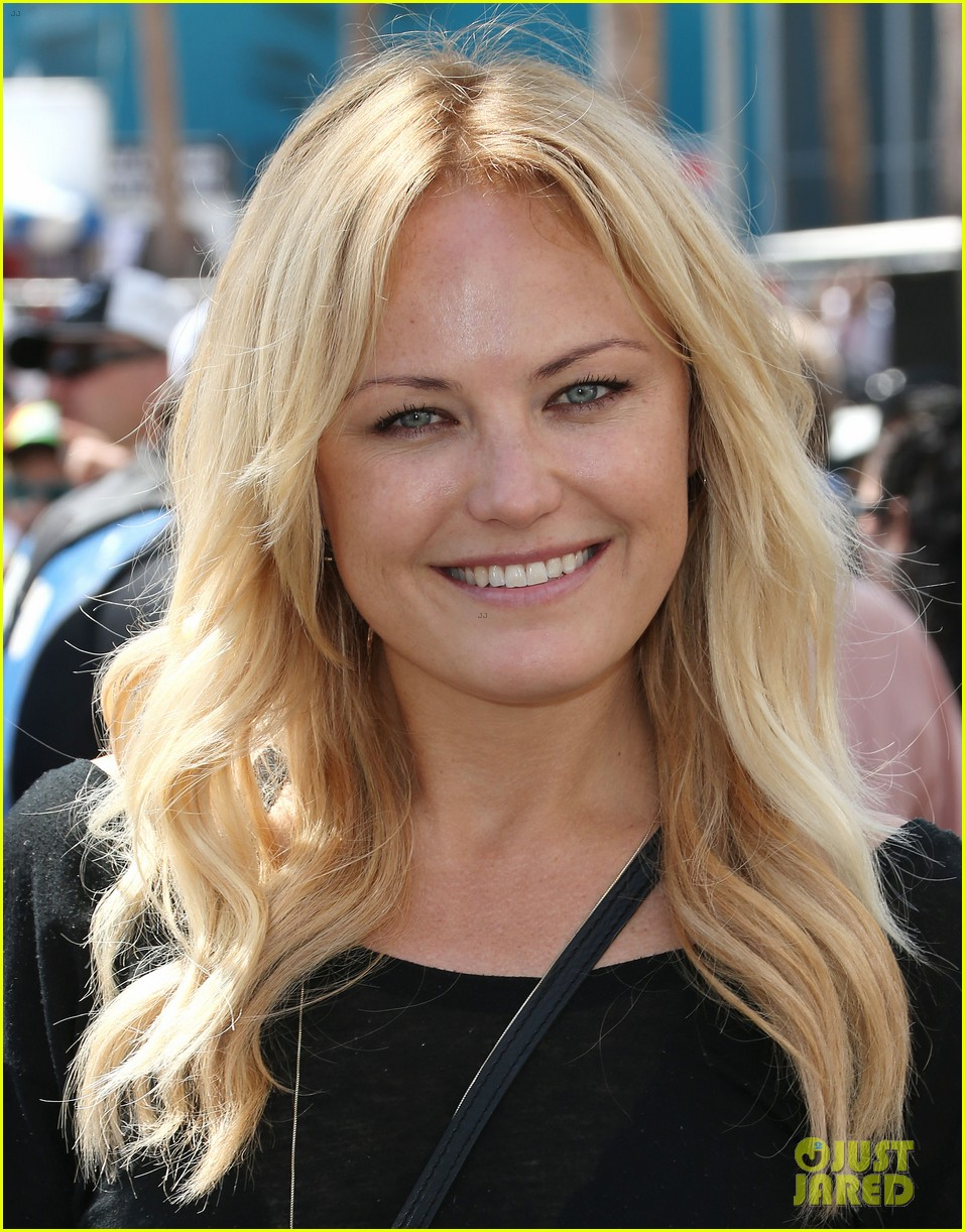malin akerman cheers on friend colin egglesfield 013090142
