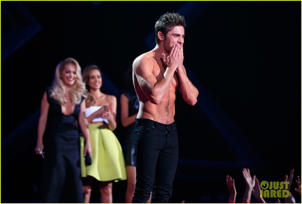jessica alba mispronounces zac efron name mtv movie awards 2014 06