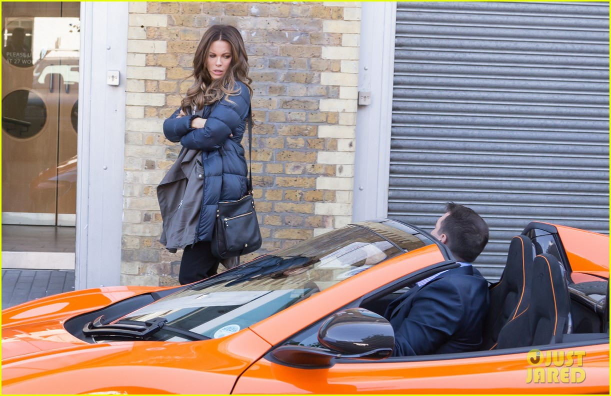 kate beckinsale films absolutely anything with a really nice car 01