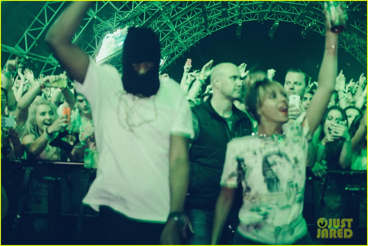 beyonce dances husband jay z coachella 04