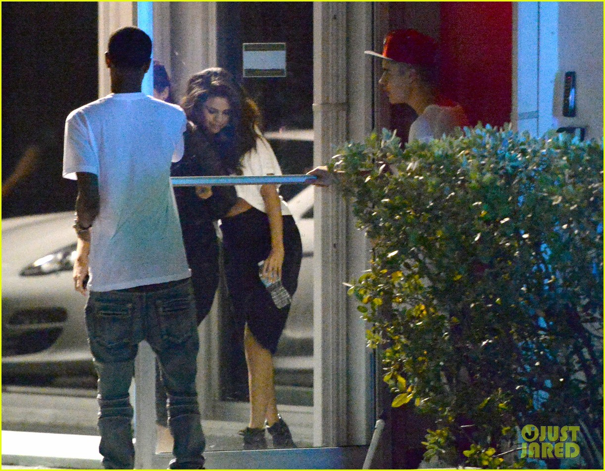 selena gomez joins justin bieber for a studio session 14
