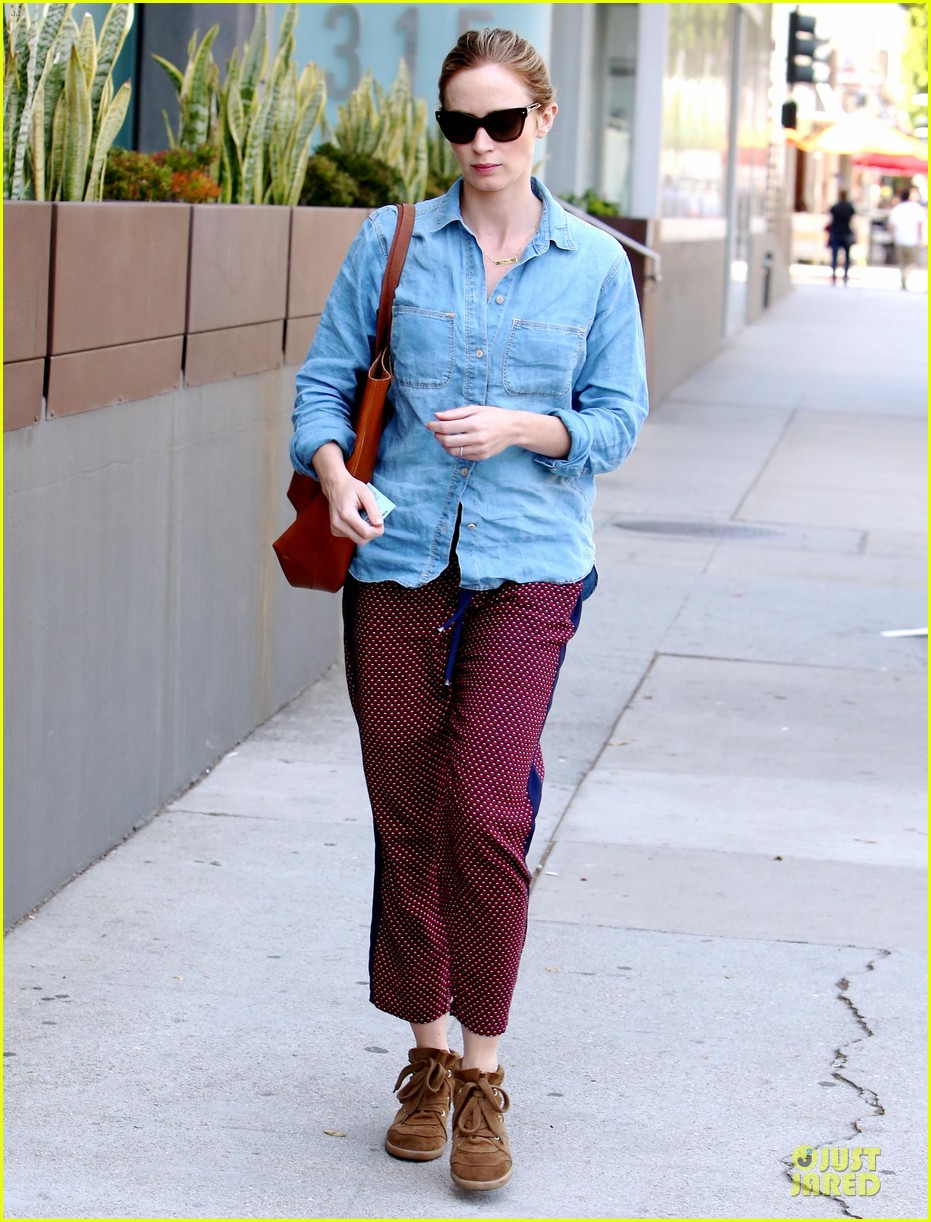 emily blunt denim shirt perfect mix 01