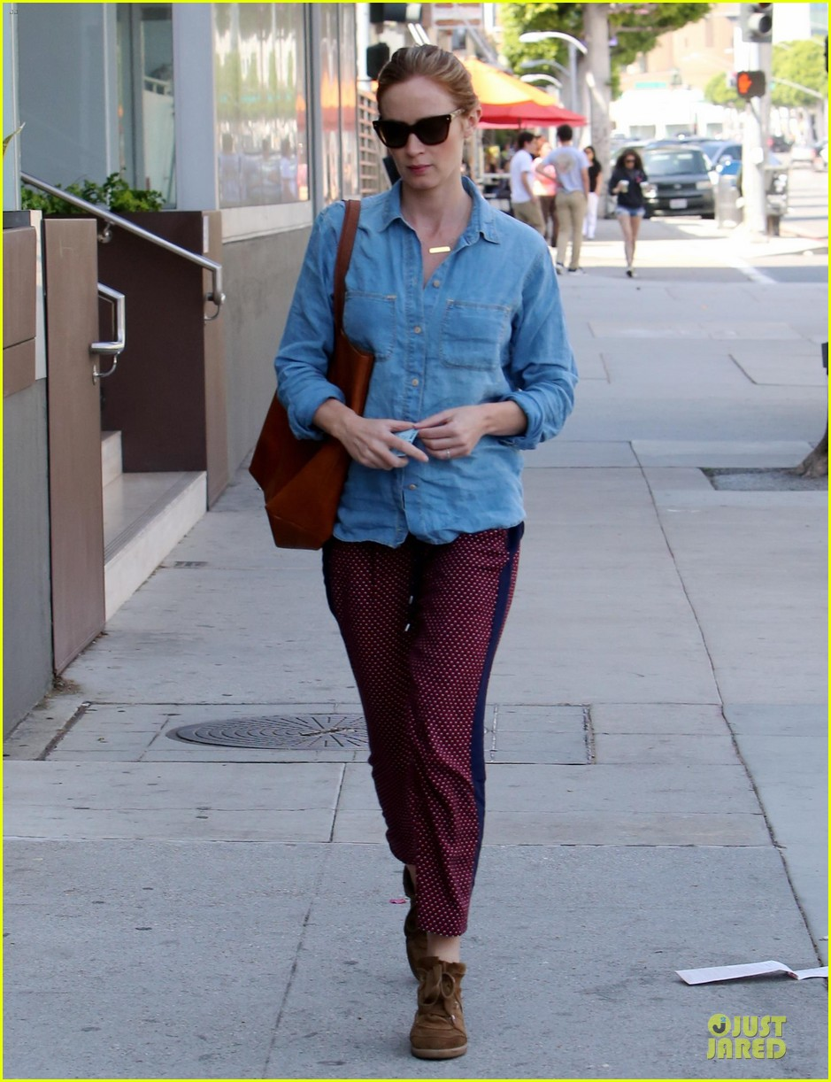 emily blunt denim shirt perfect mix 08