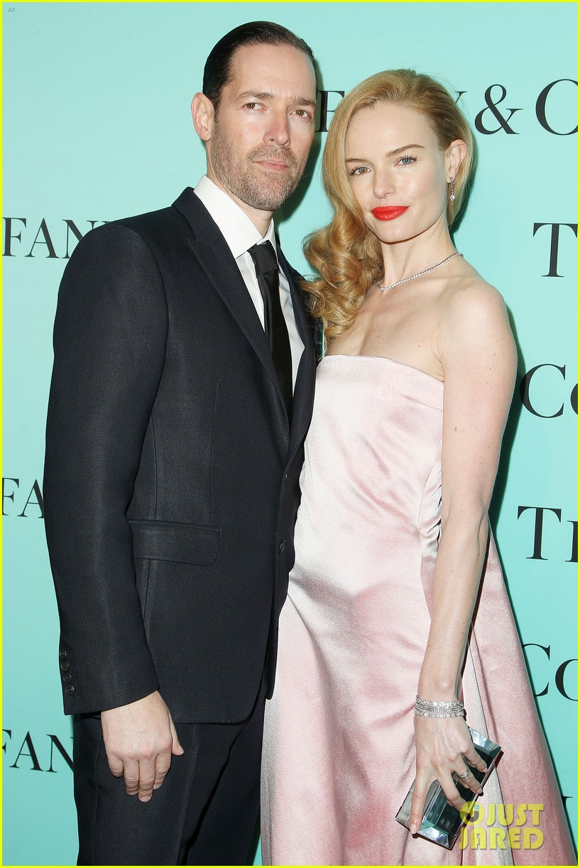 kate bosworth michael polish tiffany co blue book celebration 02