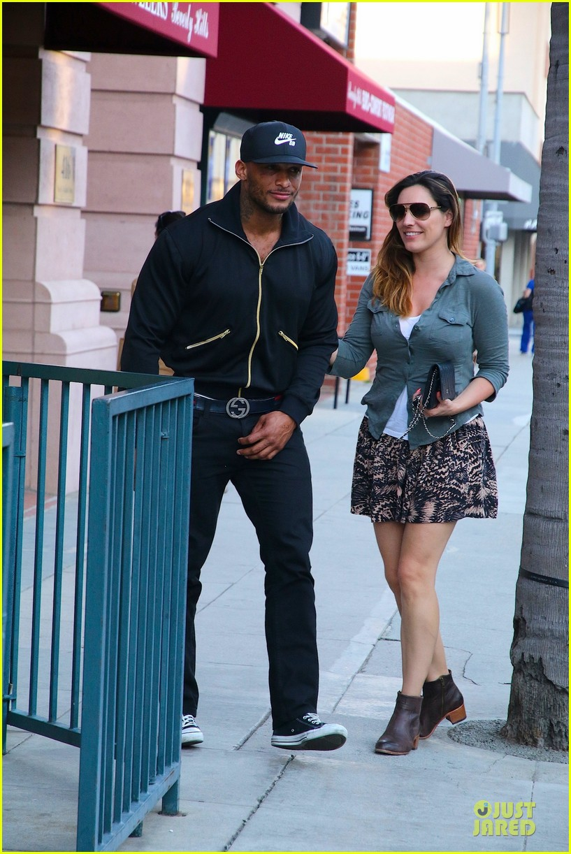 kelly brook holds david mcintosh huge arms 06