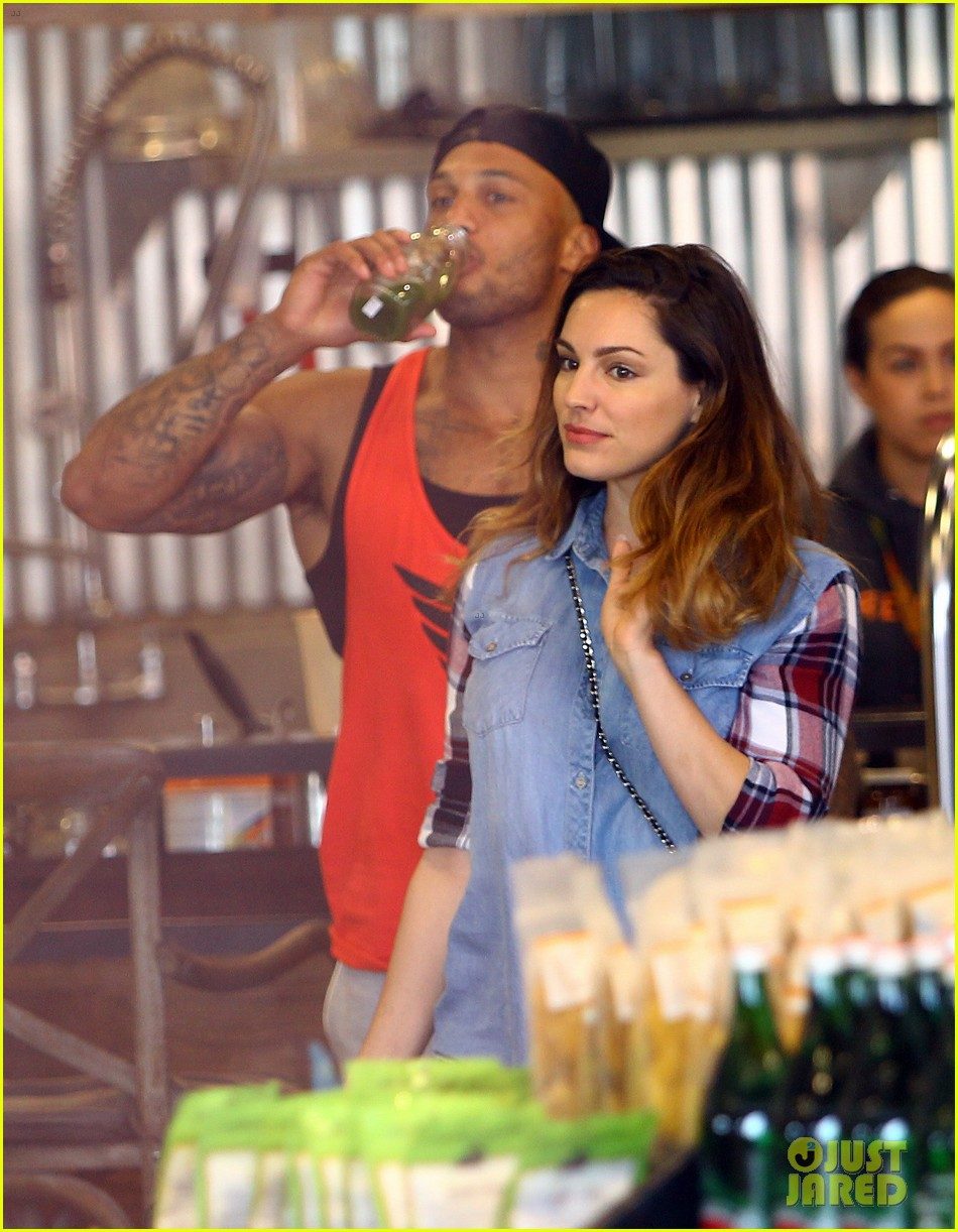 kelly brook boyfriend loves showing off beefed up body 11
