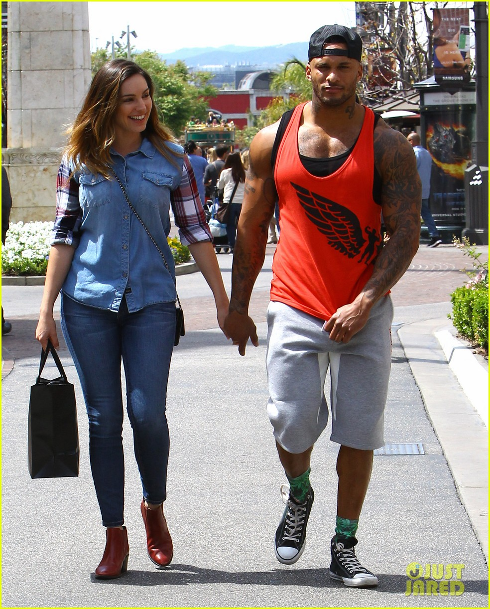 kelly brook boyfriend loves showing off beefed up body 14