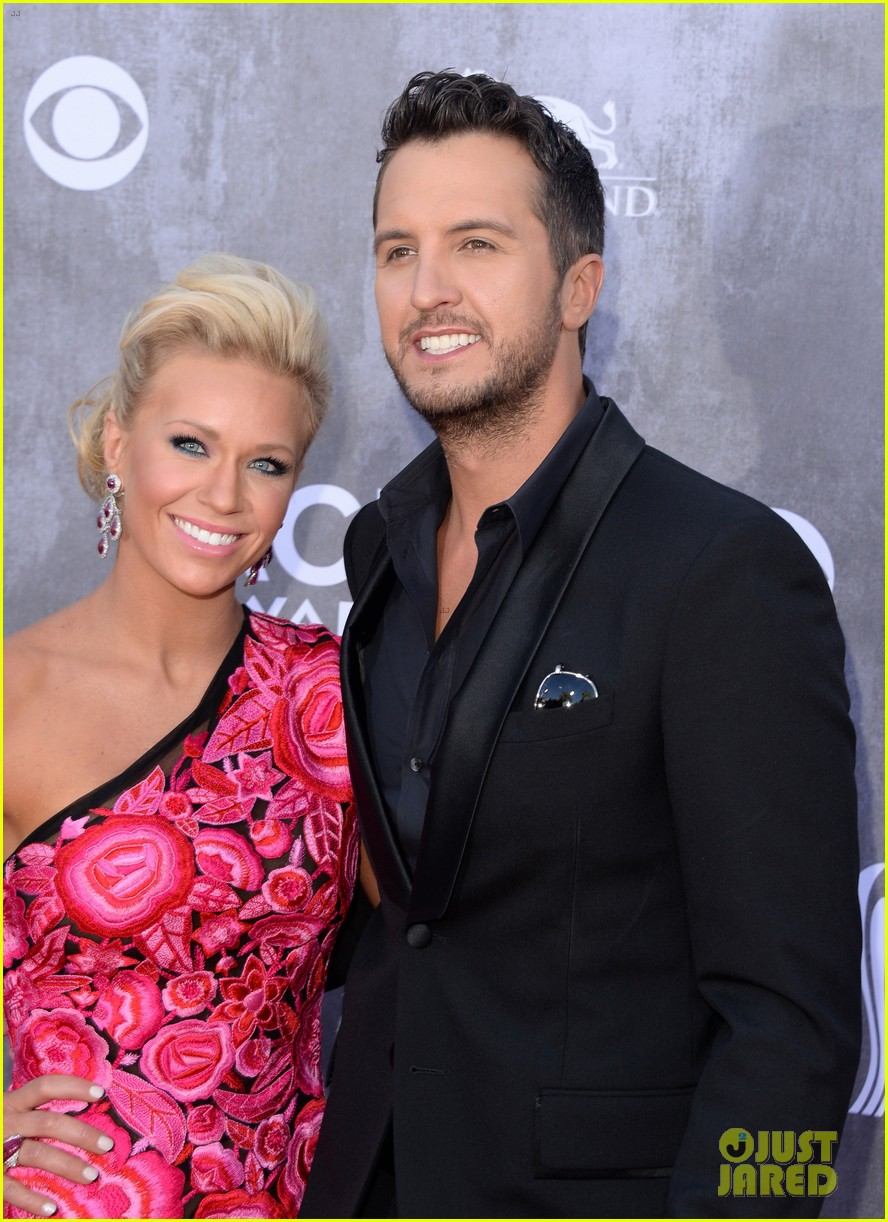 luke bryan acm awards 2014 red carpet 033085826