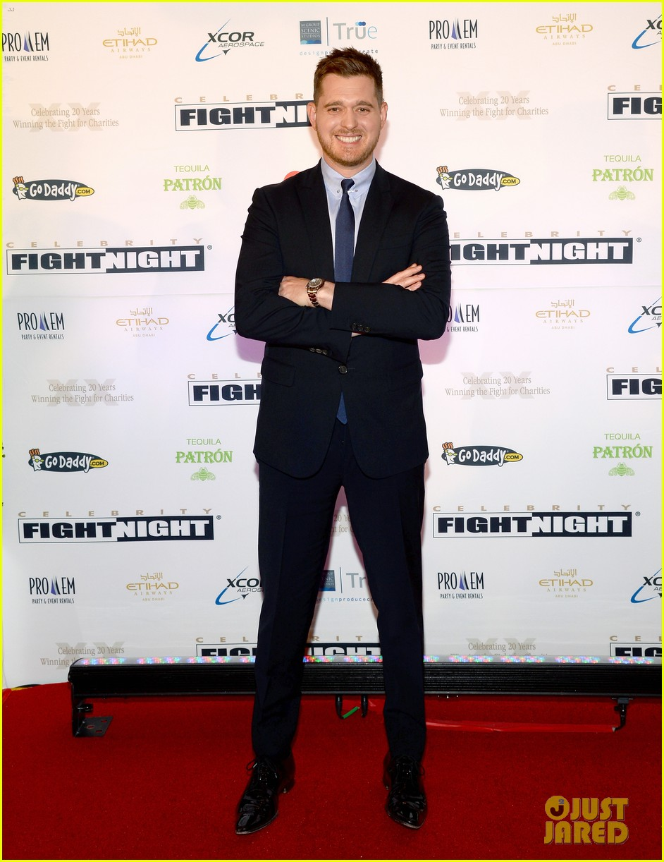 michael buble receives muhammad ali humanitarian award 01