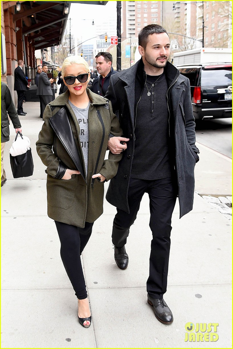 christina aguilera shares adorable baby bump pic her baby loves nyc 013093951