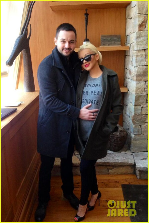christina aguilera shares adorable baby bump pic her baby loves nyc 05