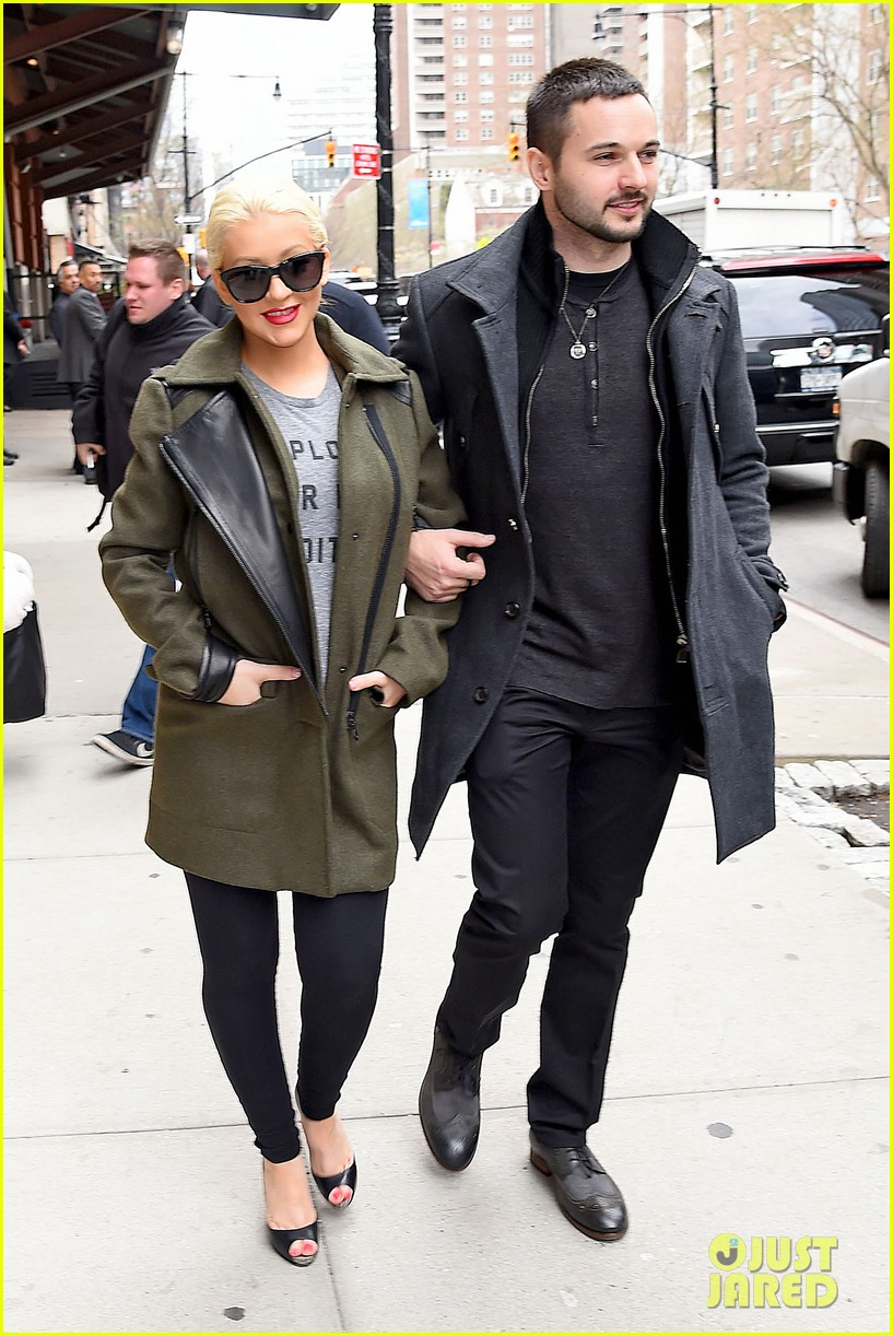 christina aguilera shares adorable baby bump pic her baby loves nyc 073093957