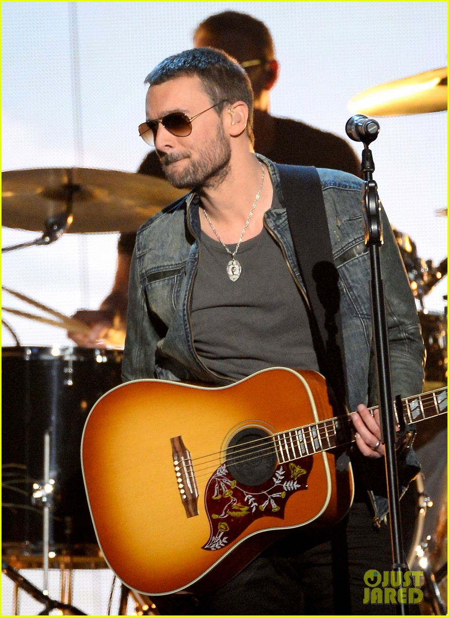 eric church performs give me back my hometown at acm awards 2014 02
