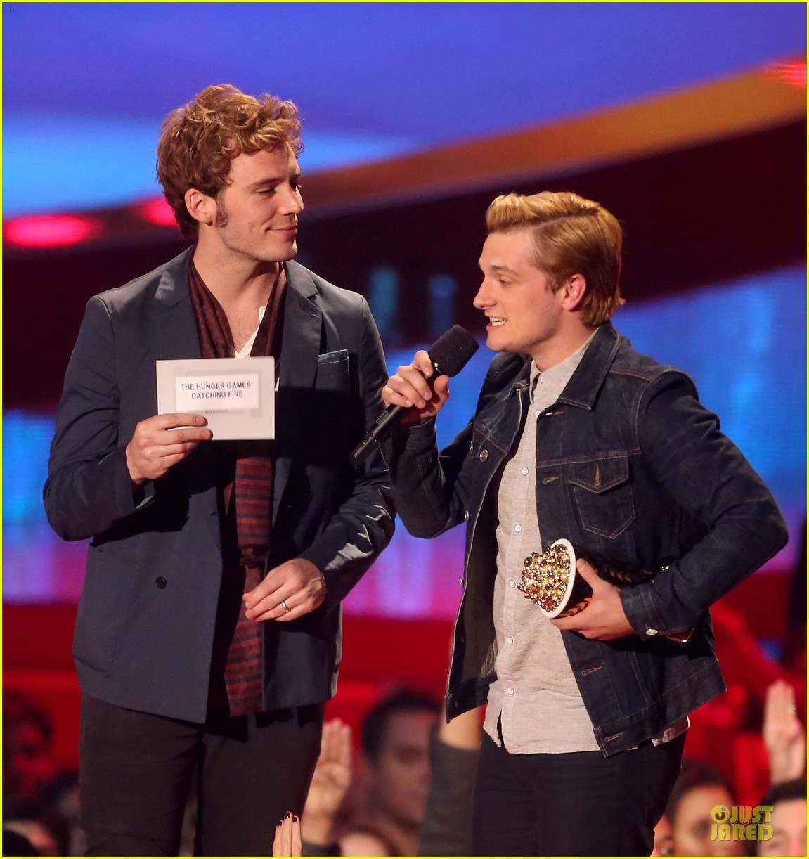 sam claflin mtv movie awards 2014 04