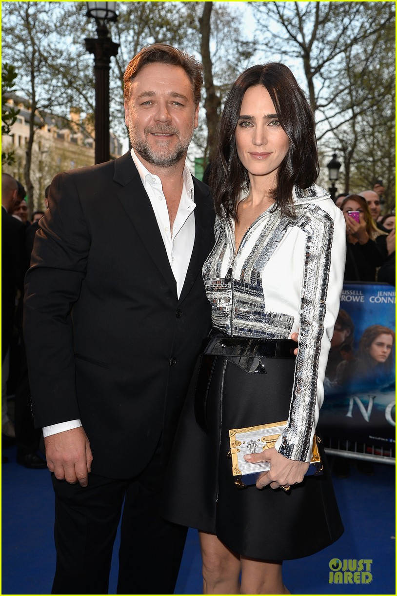 jennifer connelly stuns at noah paris premiere 10
