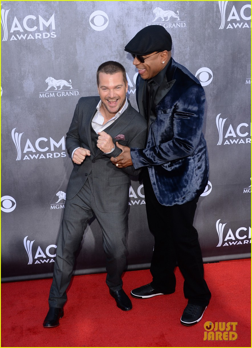 ll cool j chris odonnell buddy up at acm awards 2014 01