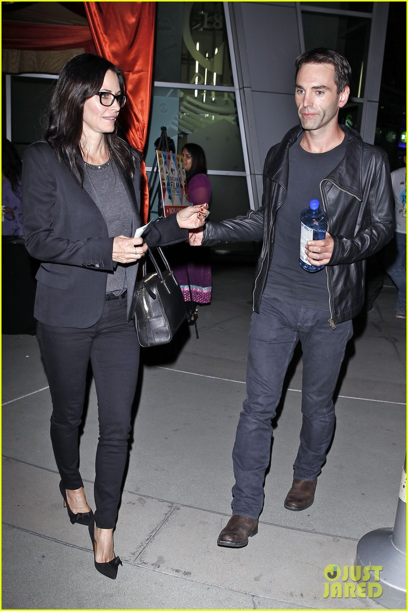 courteney cox boyfriend johnny mcdaid leads the way 10