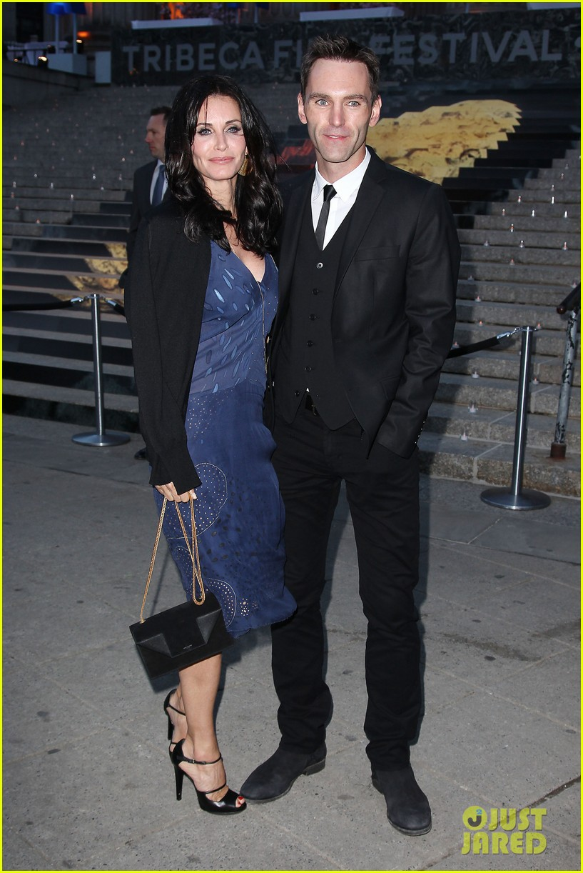 courteney cox kate walsh party with vanity fair at tribeca 17