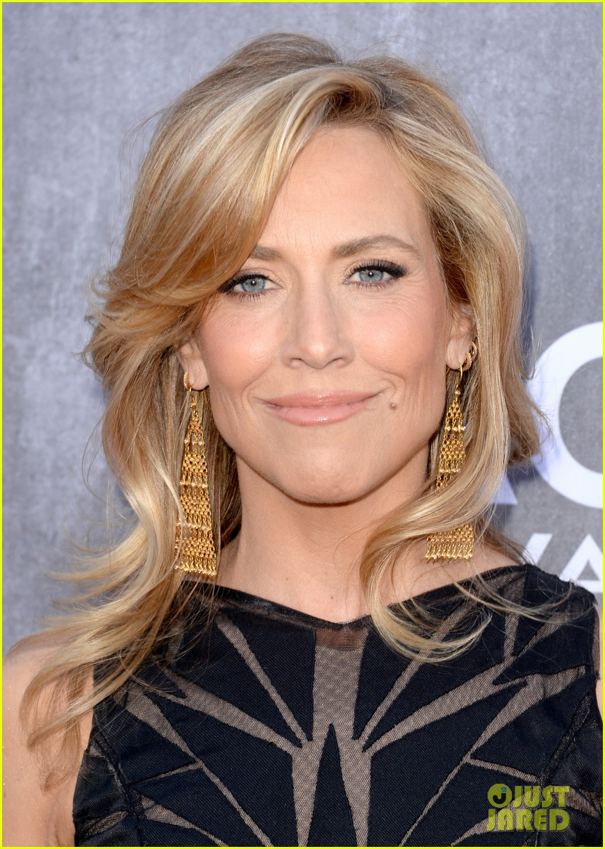 sheryl crow acm awards 2014 red carpet 043085781