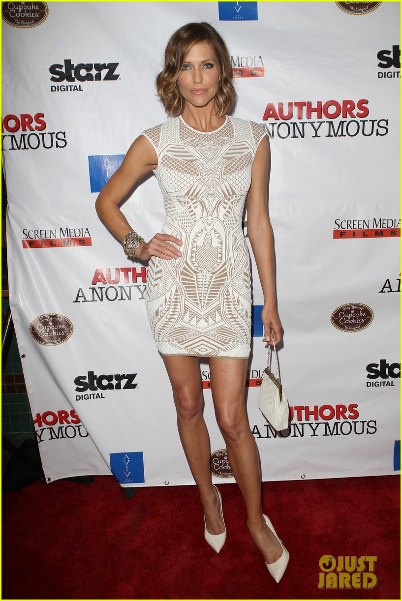 kaley cuoco hits the premiere of authors anonymous with sister briana 16