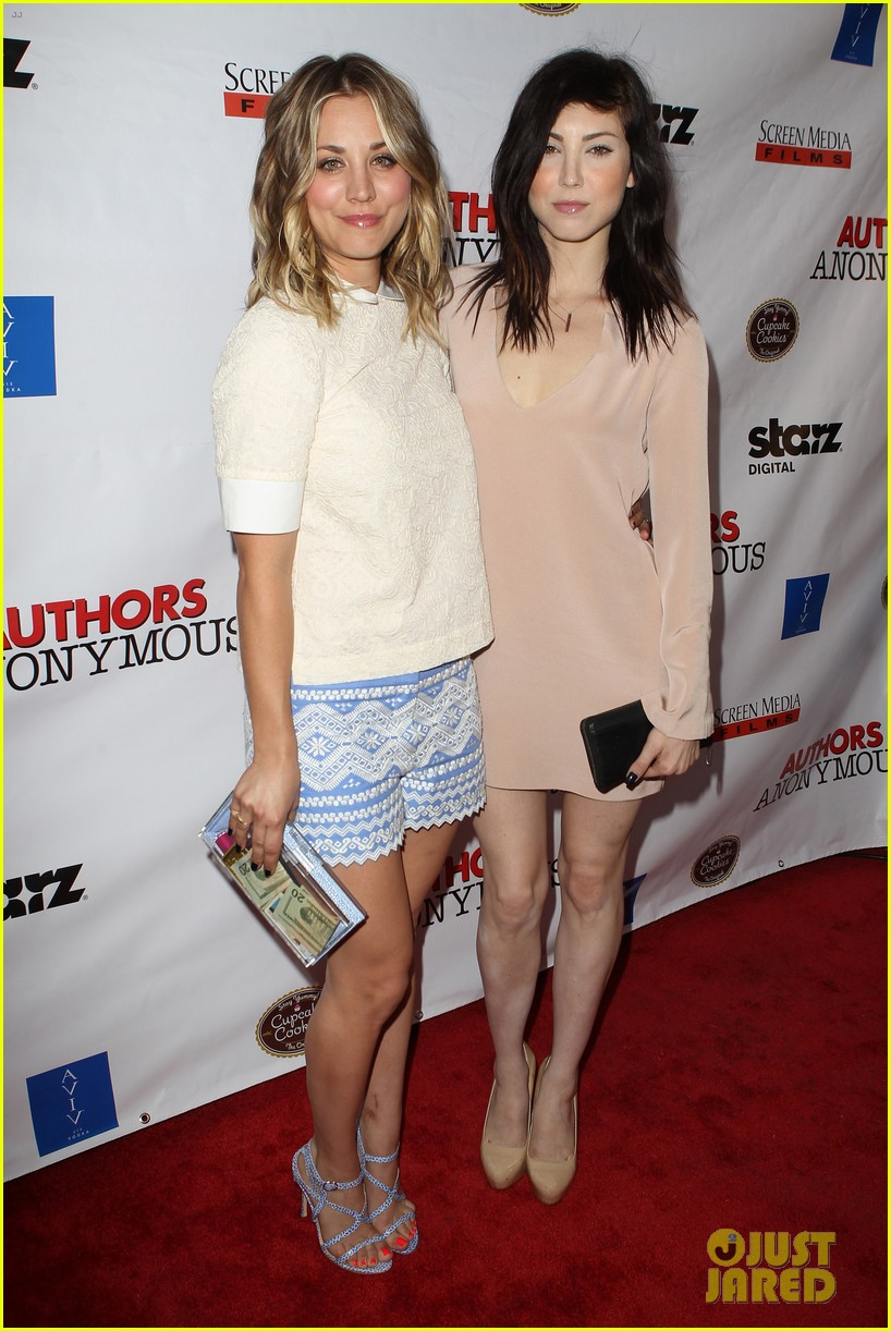 kaley cuoco hits the premiere of authors anonymous with sister briana 20