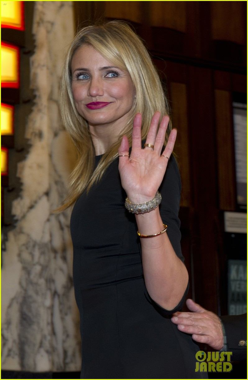 cameron diaz gets glam with kate upton leslie mann for the other woman 11