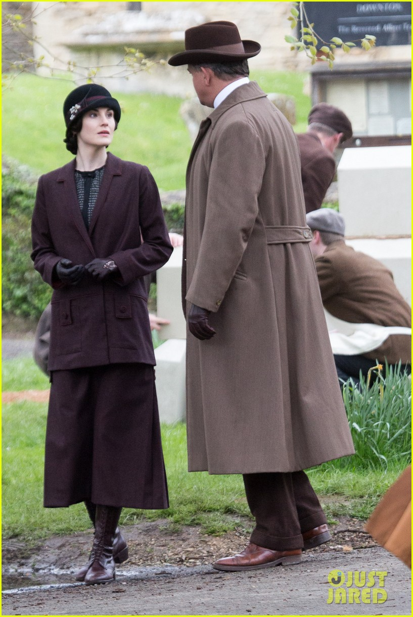 these downton abbey season five set pics are getting us really excited 073098151