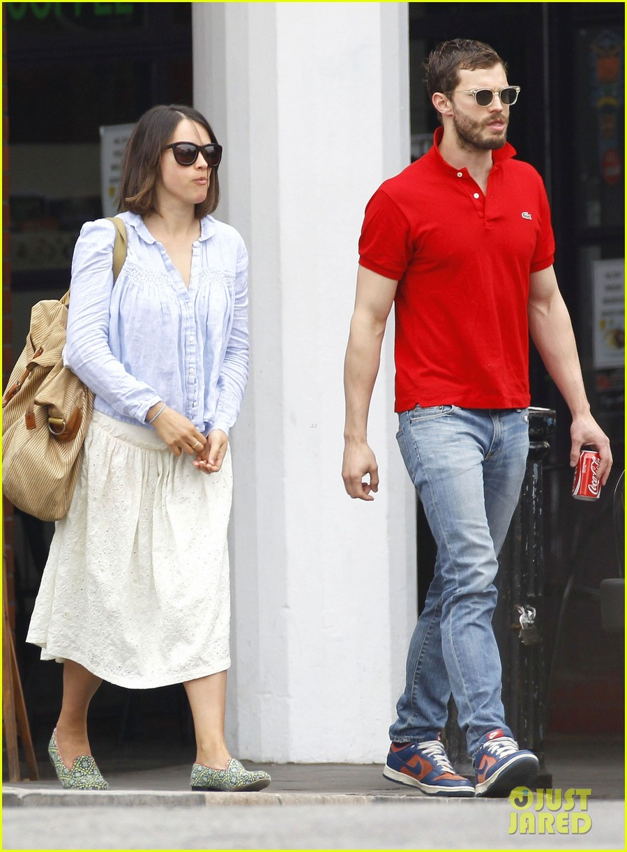 jamie dornan treats his wife to lunch in london 013093848